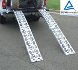 Solid surface folding aluminium loading ramp